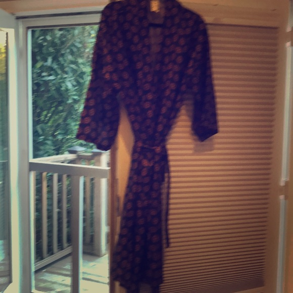 Bill Blass Other Mens Robe It Is Silk Like Polyester